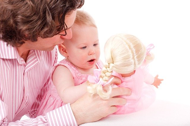otec, dcera a panenka